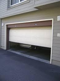 garage door by en.wikipedia.org