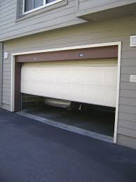 garage door by en.wikipedia.org