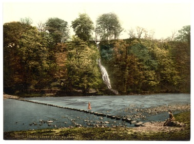 Abbey_stepping_stones,_II,_Bolton_Abbey,_England-LCCN2002696399
